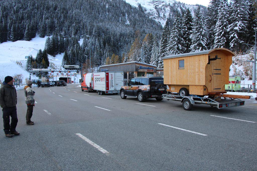 IMG 2034 1024x683 - November 2019 - Schäferwagen ins Engadin / Schweiz geliefert